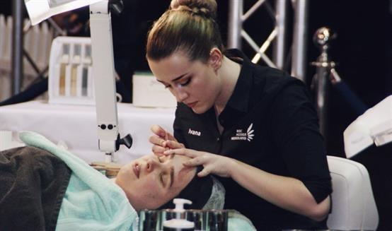 Hulp gevraagd: training Nederlandse schoonheidsspecialiste Euroskills